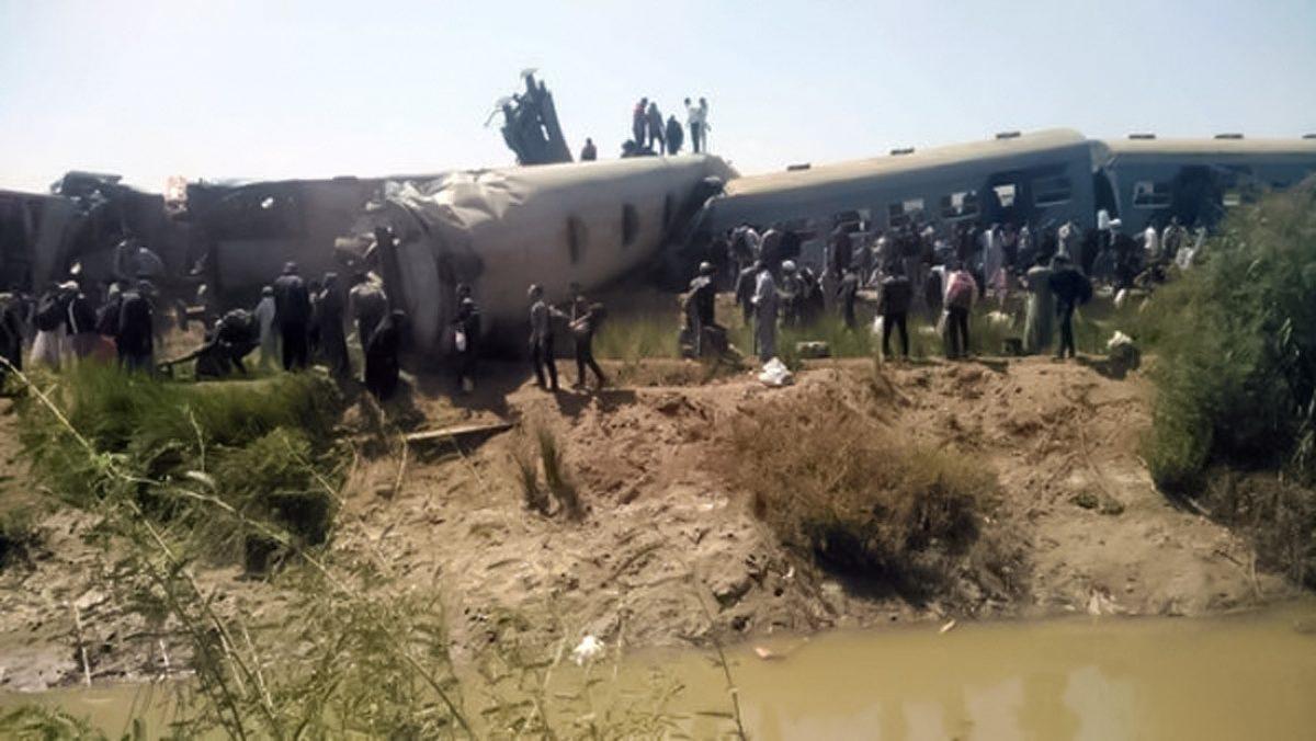 Fuerte choque de dos trenes en Egipto deja 32 muertos y 66 heridos