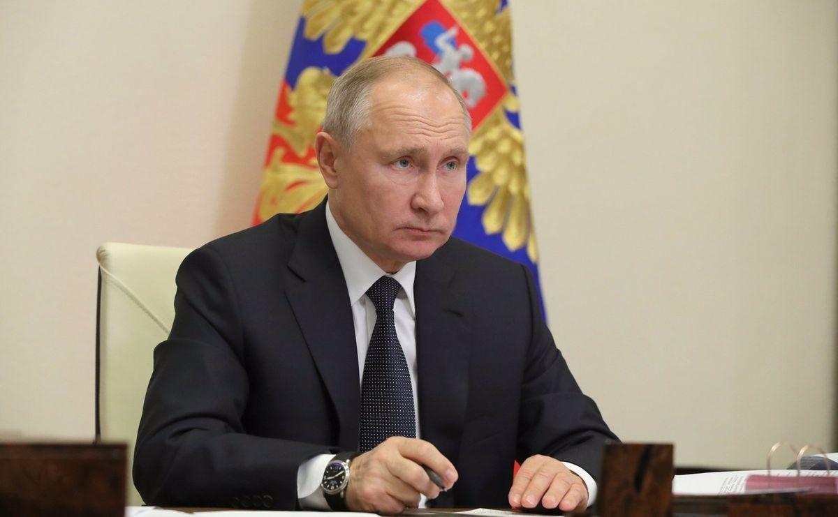Vladímir Putin anuncia que se vacunará contra el coronavirus este martes