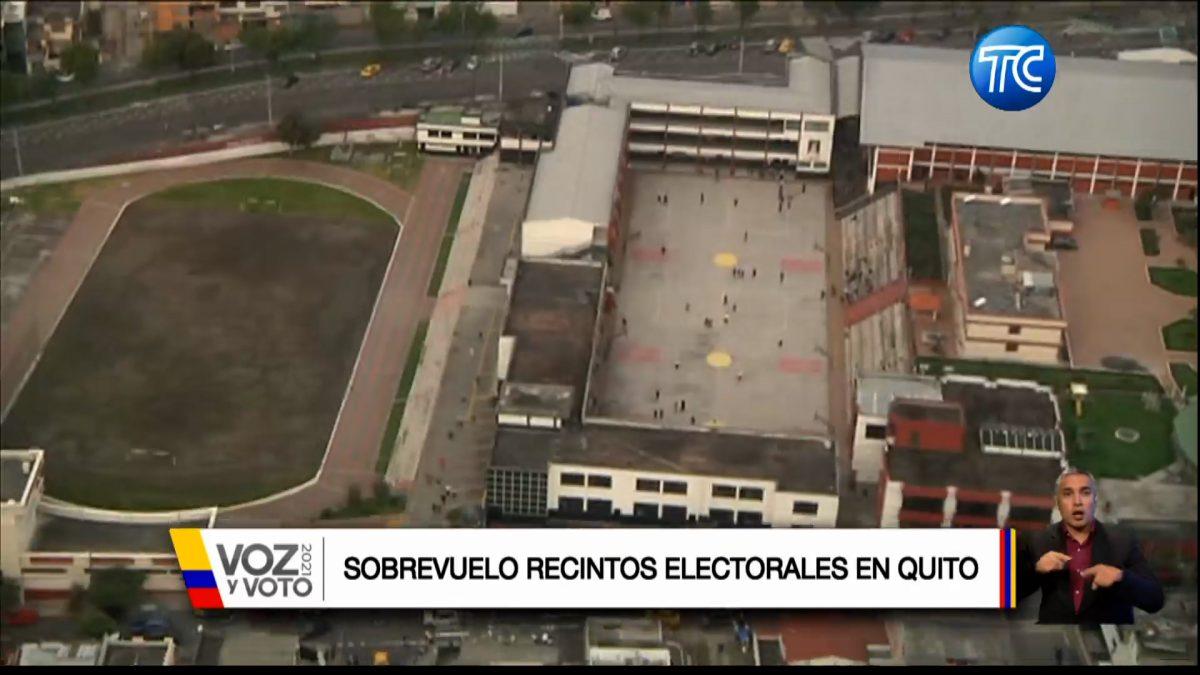 Así lucen desde el aire los recintos electorales en Quito