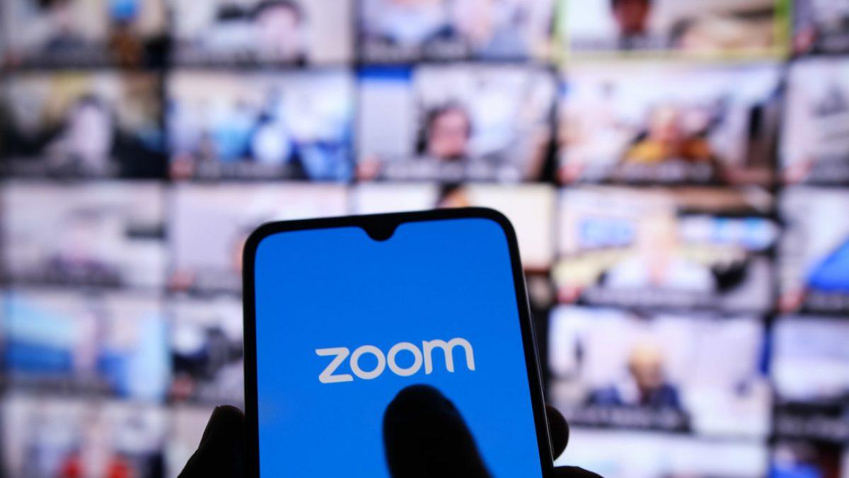 Revelan una nueva estafa con la que roban dinero a los usuarios de Zoom