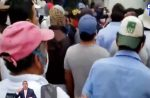 VIDEO | Decenas de comuneros protestaron en los bajos del Consejo de Gobierno de Galápagos por falta de gestión en la provincia insular