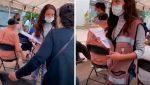 VIDEO | Una voluntaria denegó el acceso a la vacuna contra el covid-19 a una adulta mayor