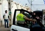 VIDEO   Una mujer resultó herida luego de ser atacada con un cuchillo por un sujeto en Daule, provincia del Guayas