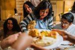 EE.UU. se prepara para una explosión de casos de coronavirus tras Día de Acción de Gracias
