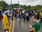 Militares peruanos impiden ingreso de migrantes haitianos desde Brasil