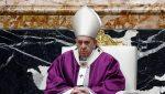 """El papa Francisco quiere morir en Roma, """"ya sea en ejercicio o emérito"""""""