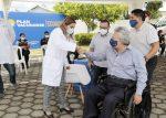 Presidente Moreno verifica el proceso de vacunación: más de 204.900 personas ya fueron inoculadas