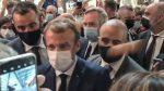 Joven que lanzó huevo al presidente de Francia es internado en centro psiquiátrico