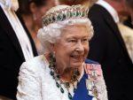 """La reina Isabel II no aceptó el premio """"Anciana del año"""", porque no se siente vieja"""