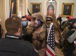 IMAGÉNES: Seguidores de Donald Trump ingresan al Congreso de EE.UU.