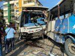 Terrible accidente de tránsito entre dos buses urbanos