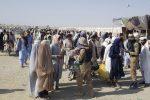 OTAN pide a los talibanes que permitan las evacuaciones de afganos