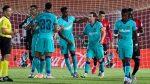 FOTO: Un hincha salta al campo en un partido de la Liga española (que se jugó sin público)