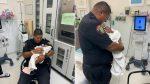 Lanzaron a bebé recién nacido desde un segundo piso y un policía lo atrapó
