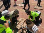 La Policía Nacional decomisó 300 paquetes de droga y capturó a 24 personas en Puerto Baquerizo Moreno, provincia de Galápagos