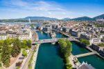 Una ciudad en Suiza aprobó el salario mínimo más alto del mundo