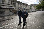 Grecia cierra escuelas y anuncia más de 1.000 muertos por coronavirus