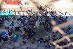Más de 10.000 migrantes de Haití acampan bajo un puente en la frontera de EE.UU.
