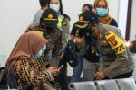 Un avión con 62 personas a bordo desaparece en Indonesia