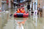 Al menos 100.000 personas evacuadas por inundaciones en suroeste de China