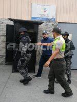 Jacobo Bucaram es trasladado hasta su vivenda para que cumpla con prisión domiciliario