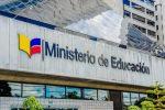VIDEO | Padres de familia denuncian ante el Ministerio de Educación cobros excesivos en pensiones escolares en Quito