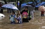Imágenes dramáticas por inundaciones en Mumbai, India