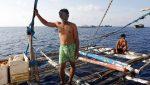 FOTOS | Atrapan un pez del tamaño de un adulto tras un terremoto en Filipinas